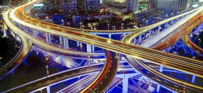 Buildings_Skyscrapers_Night_Freeway_Highway_Lights_Timelapse_650x300(2)
